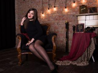 Webcam model ClaireLaVida from XLoveCam