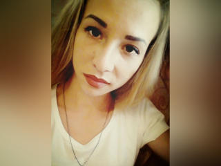 Webcam model ClaireXLady from XLoveCam