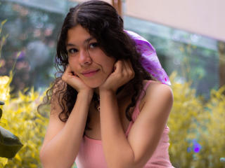Webcam model DalilaHell from XLoveCam
