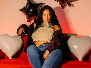 Webcam model DarlingSaywell from XLoveCam