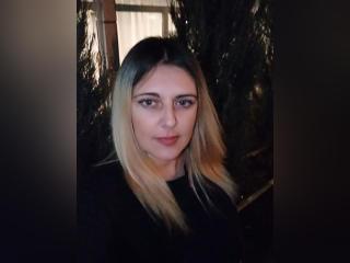 Webcam model DeborahNice from XLoveCam