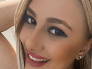 Webcam model DelightfulAnne from XLoveCam