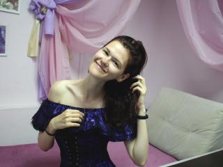 Webcam model DianaNicely from XLoveCam