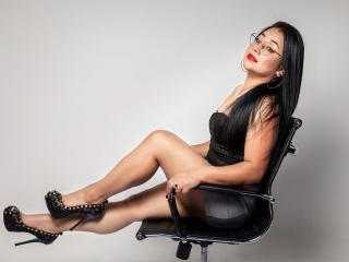 Webcam model DiannaMorris from XLoveCam