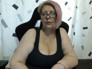 Webcam model DreamsLadyX from XLoveCam