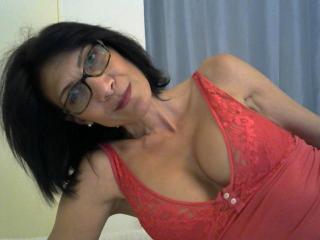 Webcam model Eleana from XLoveCam