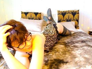 Webcam model EloPhoenix from XLoveCam