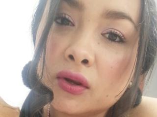 Webcam model EmilyDolly from XLoveCam