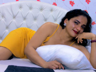 Webcam model EmmaMiller from XLoveCam