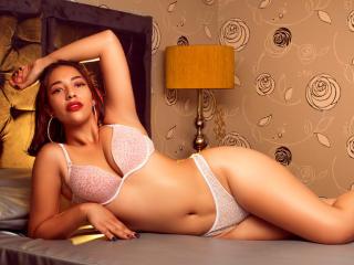 Webcam model EvaKatherine from XLoveCam