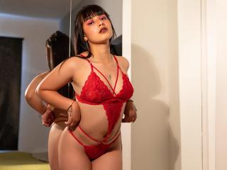 Webcam model EvelynWhite from XLoveCam
