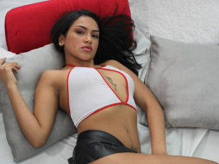 Webcam model FairyLati from XLoveCam