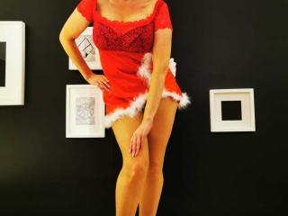 Webcam model FeliziaStar from XLoveCam