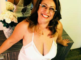 Webcam model FemmeSympa from XLoveCam