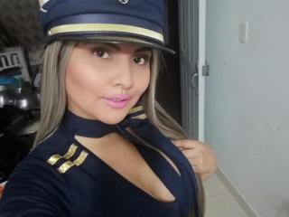 Webcam model FontaineXJunia from XLoveCam