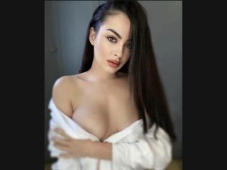 Webcam model FrancaiseLolli from XLoveCam