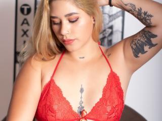 Webcam model GabbyFontaine from XLoveCam