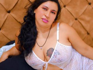 Webcam model GabrielaLilith from XLoveCam