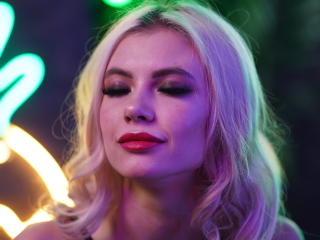 Webcam model GentlePetta from XLoveCam