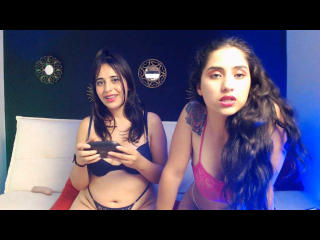 GiaAndAlessia: Live Cam Show
