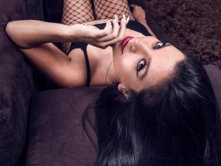Webcam model HannahKlein from XLoveCam