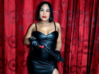 Webcam model HaraCarey from XLoveCam