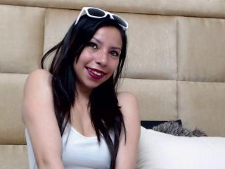 Webcam model HelenBanner from XLoveCam