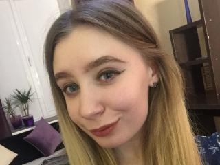 Webcam model HelgaMaier from XLoveCam