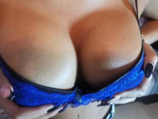 Webcam model HotFun from XLoveCam
