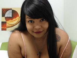 Webcam model IsabellaLopez from XLoveCam