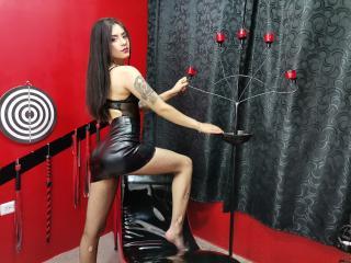 Webcam model IsabellaRouses from XLoveCam