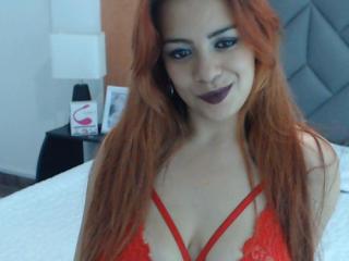 Webcam model IsabelleHotty from XLoveCam