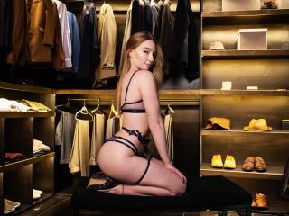 Webcam model JessicaMikel from XLoveCam