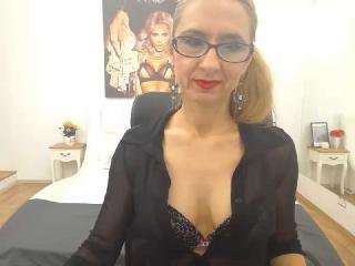 Webcam model JessyClark from XLoveCam
