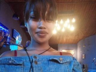 Webcam model Jhey from XLoveCam