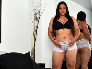 Webcam model JoanKloss from XLoveCam