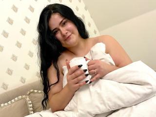 Webcam model JoannaLi from XLoveCam
