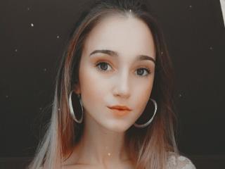 Webcam model JudyAndre from XLoveCam