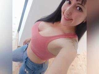 Webcam model JuliettaLorens from XLoveCam