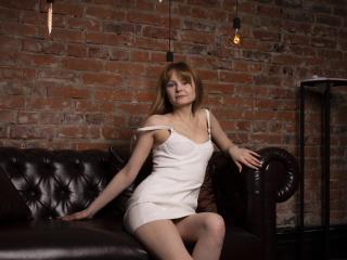 Webcam model KarenBeauty from XLoveCam