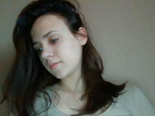 Webcam model KarenSun from XLoveCam