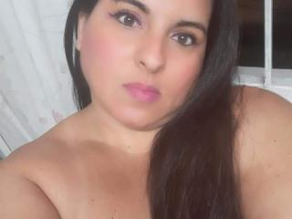 Webcam model KarlaLatin69 from XLoveCam