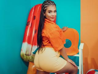 Webcam model KarlaLewis from XLoveCam