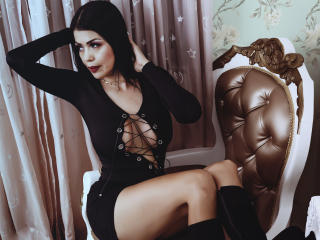 Webcam model KarolinaBrooklyn from XLoveCam