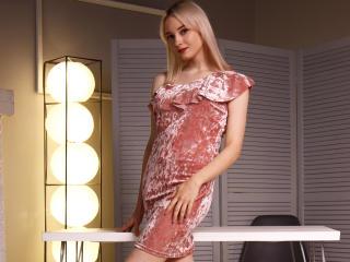 Webcam model KateMoon from XLoveCam