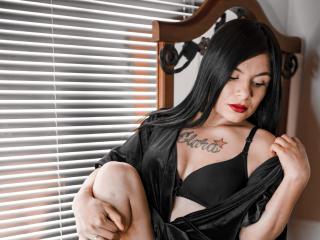 Webcam model KatelynAdams from XLoveCam