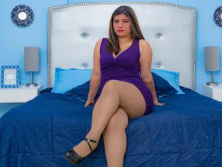 Webcam model KathyChopra from XLoveCam