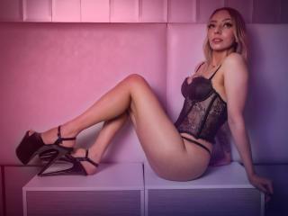 Webcam model KathyMorriss from XLoveCam