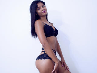 Webcam model KeilaCooper from XLoveCam