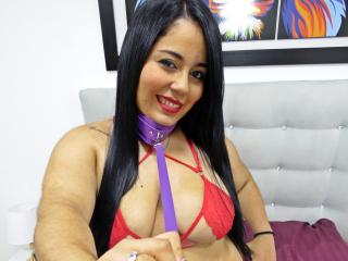 Webcam model KimBurnie from XLoveCam